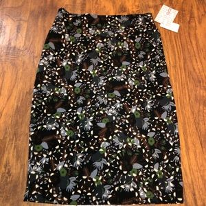 New LuLaRoe Cassie Pencil Skirt S